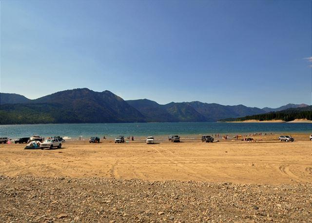 Tamarack lodge cle elum roslyn for Cle elum lake cabins