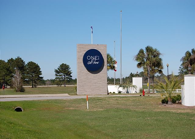 One Club of Gulf Shores Entrance