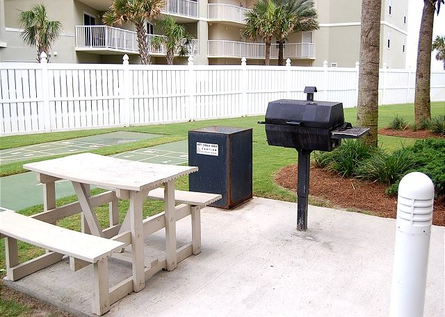 Grilling Area Eastside