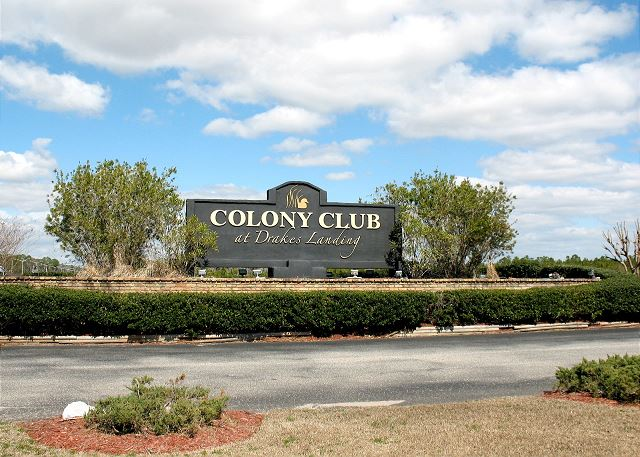 Colony Club Entrance