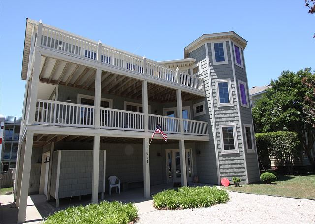 Come spend your vacation in this luxurious vacation home only steps from the beach. Book All Decked Out today to ensure a vacation full of wonderful memories!