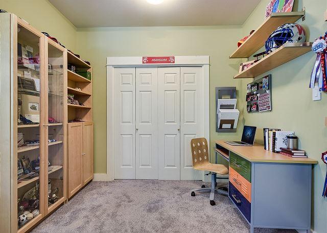 Full Bedroom with desk