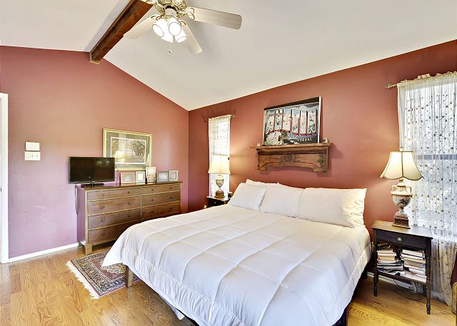 Master Bedroom with a king and possibility to add a Front Gate twin