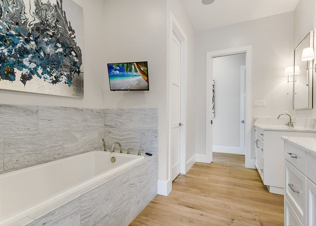 Spacious master bath perfect for getting ready for a fun evening out on the town