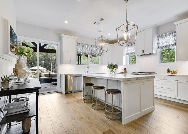 Lovely kitchen seating