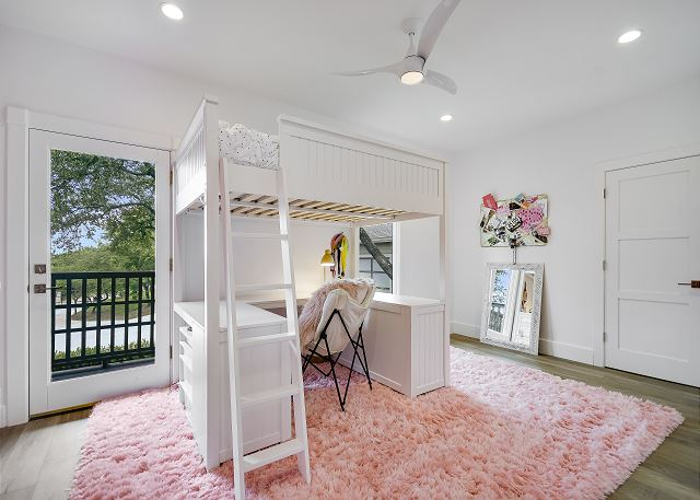 3rd Upstairs bunk Queen bedroom that can fit an additional Front Gate Twin.