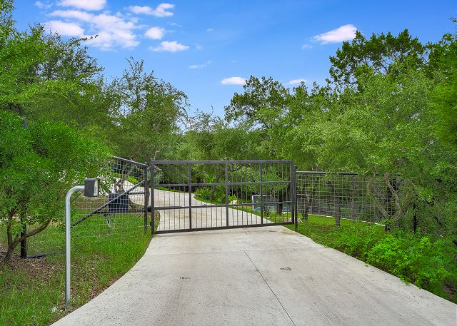 Private entrance and drive leading to the Playground Estate
