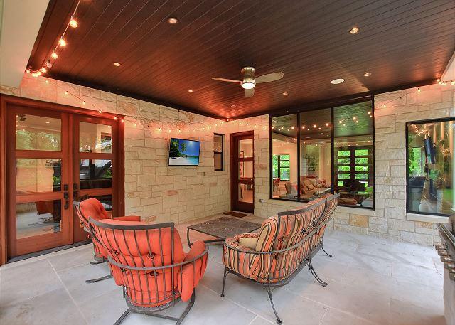 Outdoor patio to enjoy the Texas warm weather!