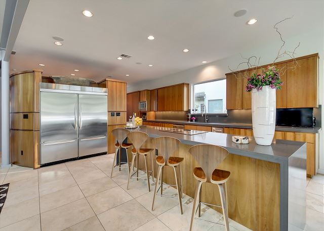 Spacious kitchen perfect for a catered event