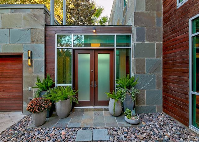 Charming front entryway