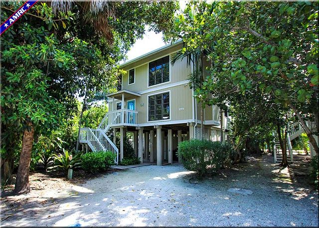 48 Sunset Captiva Front Exterior and Entrance