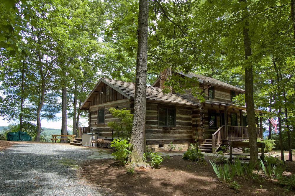Blue ridge mountains nc pet friendly cabin rentals stay for Blue ridge cabin rentals pet friendly