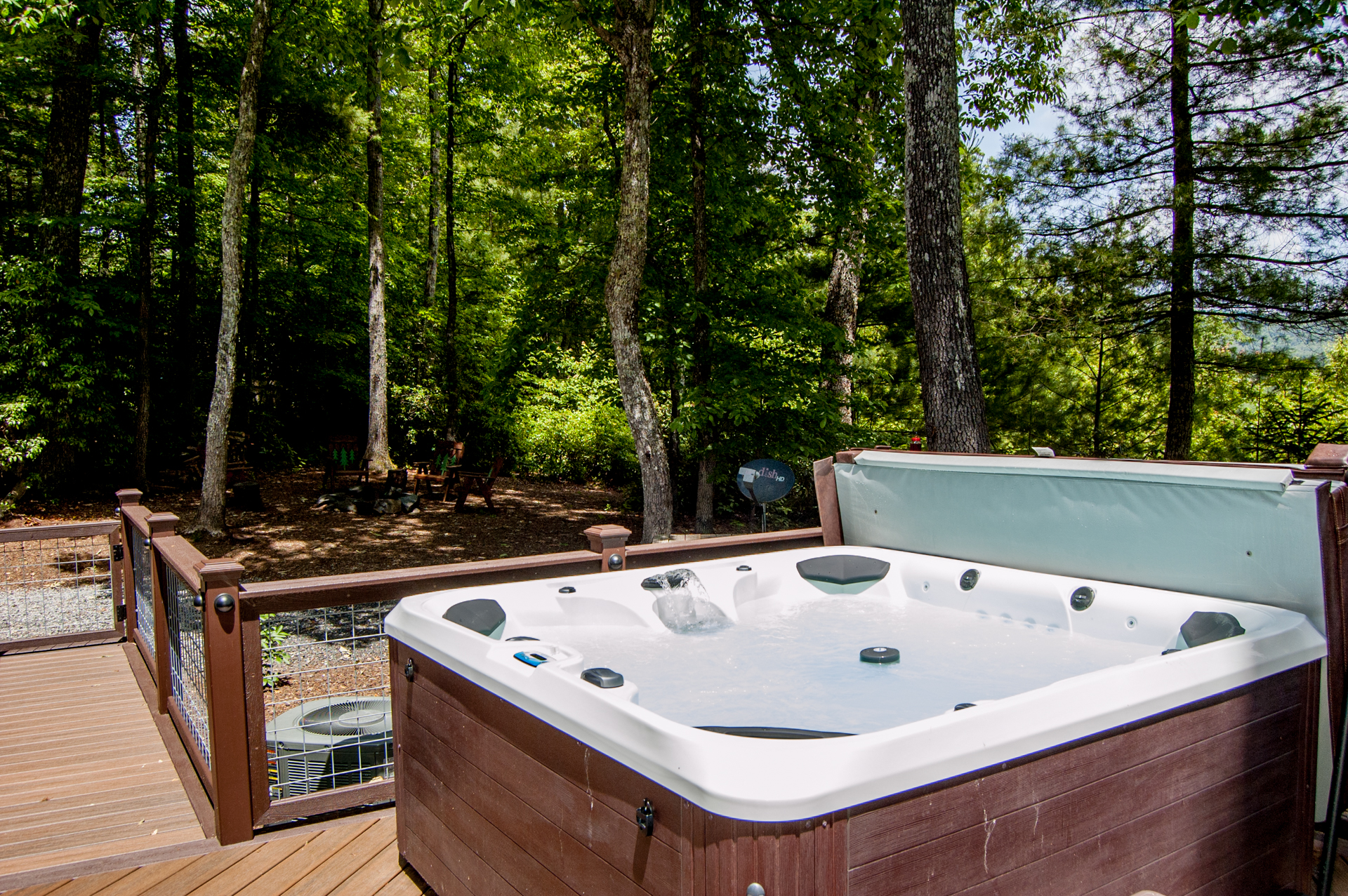 Courage Antique Log Cabin Vacation Rental | Fleetwood, NC