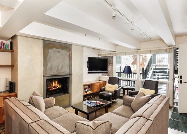 Light-Filled Condo in the Heart of Aspen