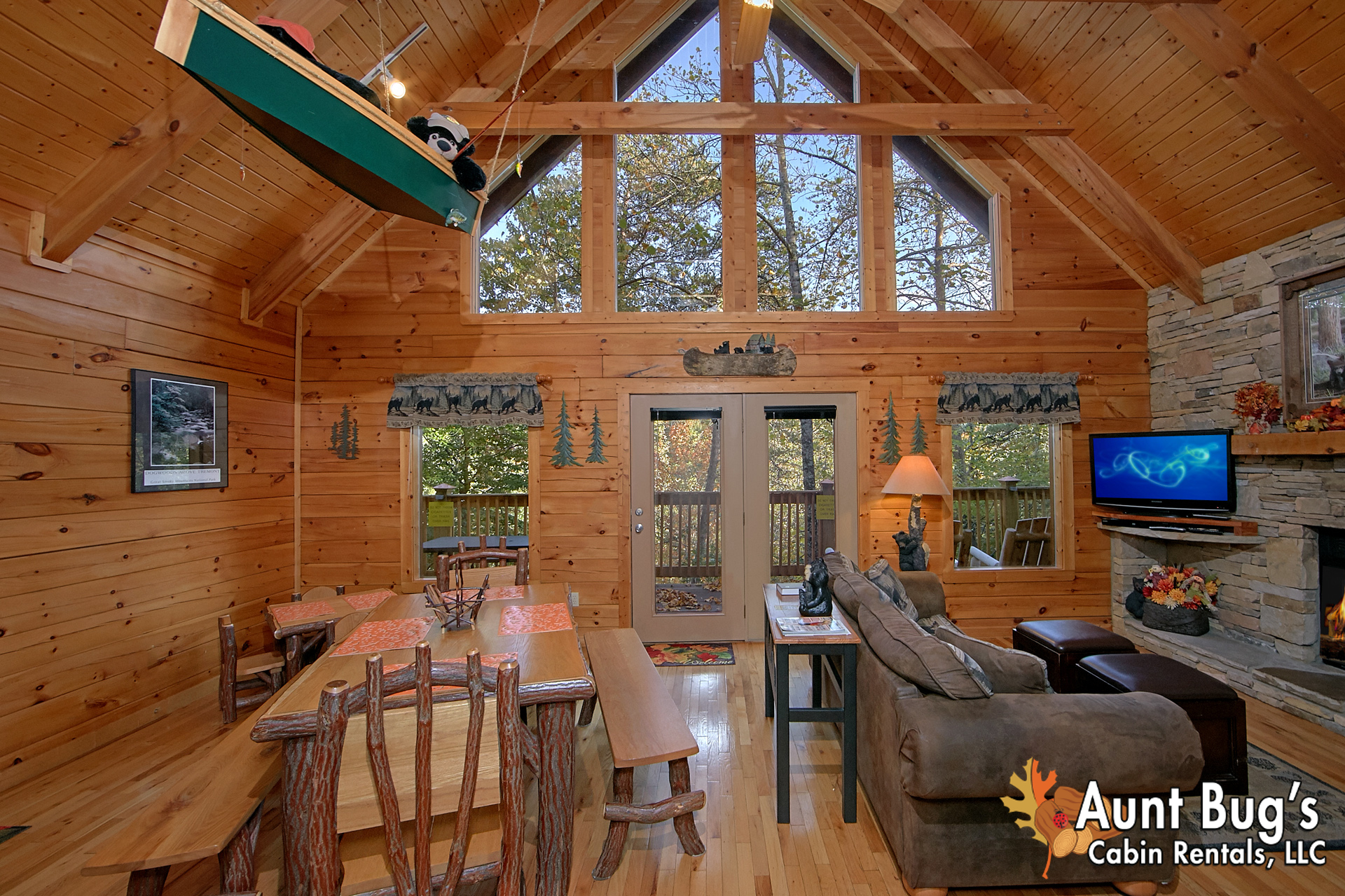 PIGEON FORGE Cabin Rental BOULDER BEAR LODGE 3 Bedroom