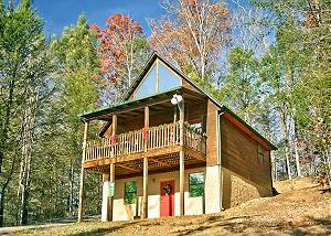ALWAYS MISBEHAVIN #1412 Secluded 1 Bedroom Cabin Close to the Arts and Crafts Community in Gatlinburg