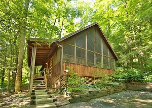 CAMP RUN-A-MUC #2672 2 Bedroom Cabin Within Walking Distance to Downtown Gatlinburg and Trolley