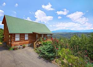 A SMOKIN VIEW #1844 1 Bedroom Mountain View Log Cabin close to Dollywood Pigeon Forge TN