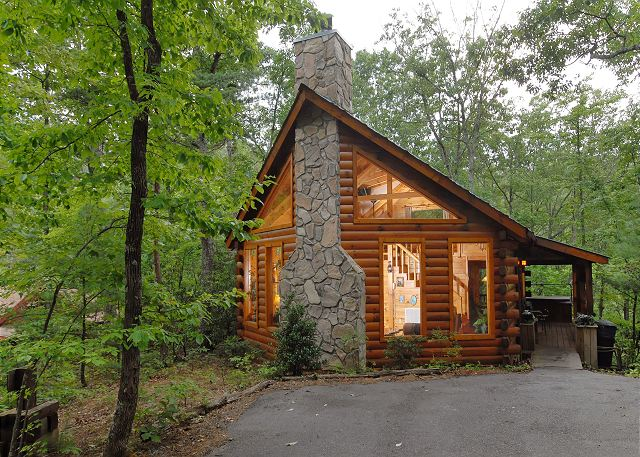 Afternoon Delight - 1 bed, 2 bath Cabin - Acorn Cabin Rentals