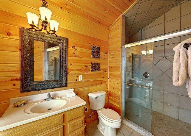 Emerald City Lights 2 Bed 2 Bath Cabin Acorn Cabin