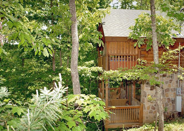 Lazy Bear 101 1 Bedroom Secluded Log Cabin In A Gated Community Near Pigeon Forge