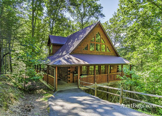 cabins forge beautiful luxury tennessee and of cabin heights both from outside pigeon located private a minutes gatlinburg sleeps is starry just