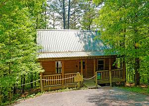 BLACK BEAR RETREAT #211 2 bed 2 bath with Hot Tub, Jacuzzi Tub, Fireplace, Sky Harbor Gatlinburg TN