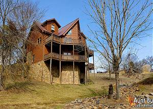 Papa Bear Lodge #565 5 Bedroom Cabin Close to Gatlinburg and Pigeon Forge with Indoor Jacuzzi