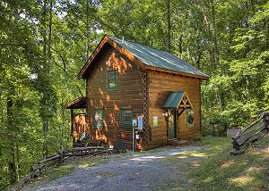 SMOKY MOUNTAIN MEMORIES #107 1 Bedroom Romantic and Secluded Cabin Close to Pigeon Forge with Hot Tub