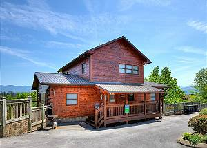 Villa Italia #425 4 Bedroom 4 Bath Cabin with Magnificent Mountain Views near Dollywood.