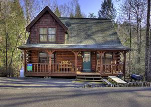 NESTLED INN #214 2 Bedroom Resort Cabin 5 miles from Downtown Gatlinburg & Pigeon Forge