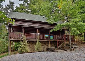 Black Bear Hibernation #2825 Perfect Smoky Mountain cabin, just 1 mile from the Pigeon Forge Parkway!