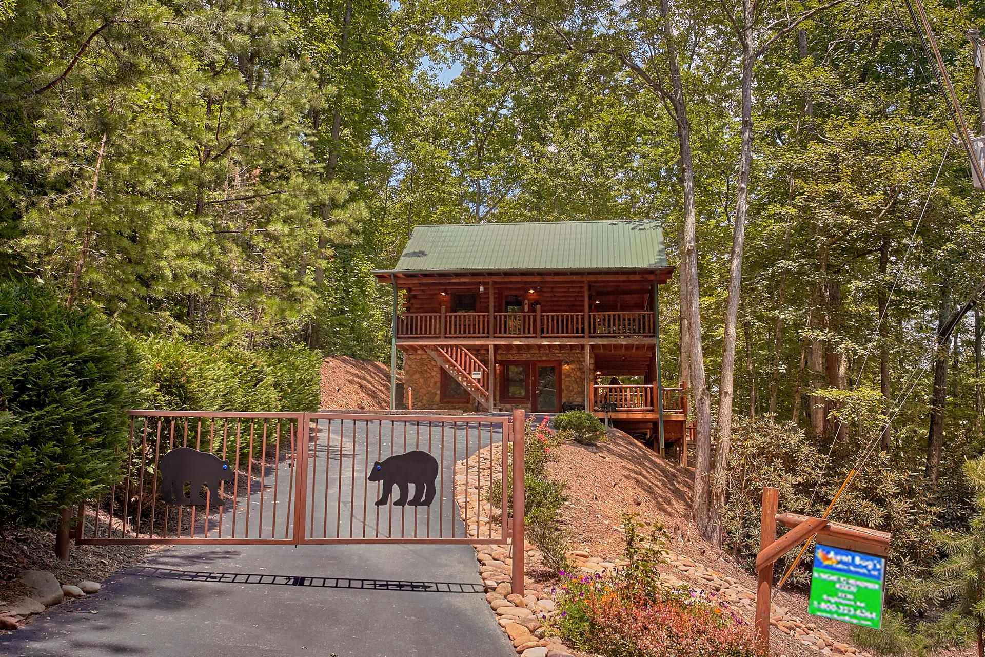 Gatlinburg Cabin Rental Browns Bear Den 235 2 Bedroom