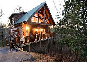 Mountain Paradise #295 Beautiful log cabin less than 5 miles to Gatlinburg, Pigeon Forge, The Park