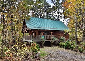 BENEATH THE STARS #220 Pet Friendly, Secluded Cabin 7 miles to Pigeon Forge & Gatlinburg