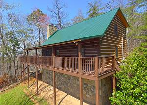 ALMOST HEAVEN #205 Secluded Gatlinburg Log Cabin with Incredible Views & Video Arcade Game Room!