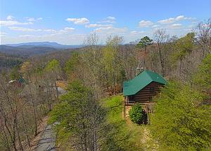 Almost Heaven #205 2 BR Gatlinburg Cabin with Incredible Views, Private Hot tub, & Game Room!