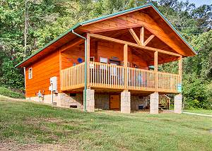 RIVER GETAWAY #2326 NEW cabin with Big Screen TV, River Views, Wifi internet, & Close to Town!