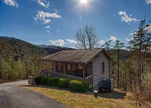 Always & Forever #118 Romantic Pigeon Forge View cabin, 1 mile from Downtown Parkway Action!