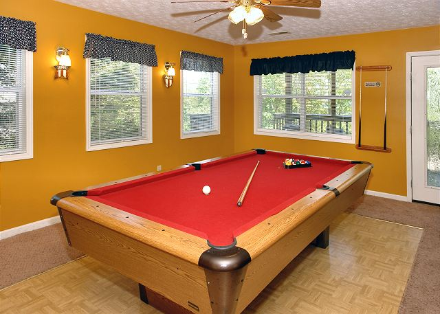 Angel S Roost 1320 2 Bedroom Cabins Pigeon Forge