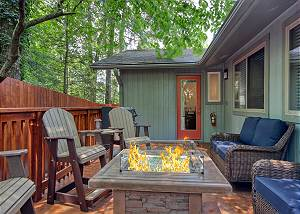 Gatlinburg - BARBARA'S SONG #4125 5 Bedroom Smoky Mountain cabin near Downtown Gatlinburg. NEW to program!