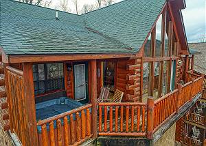 Kissing Retreat #269 Great Smoky Mountain Dollywood Log Cabin with View, Pool table, Pool Access