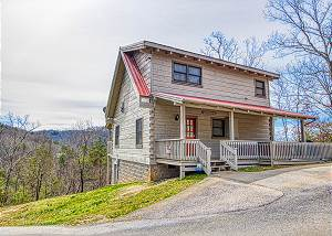 Evening Shade #129 Spacious 1 Bedroom Cabin close to the Smoky Mountains main attractions!