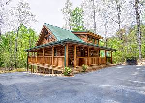MEANT TO BE #108 One Bedroom Smoky Cove Cabin is close to all the attractions in Pigeon Forge!