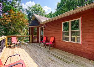 CEDAR CHARM #316 Smoky Mountain 3 Bedroom in Sky Harbor with Hot Tub, Multicade and Firepit