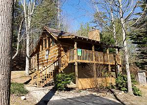 Secluded One Bedroom Cabin perfect for a Romantic Getaway in Pigeon Forge