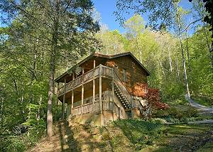 WHISPERING WATERS 208 Large 2 bedroom Luxury Cabin Wears Valley, Pigeon Forge TN Close to town