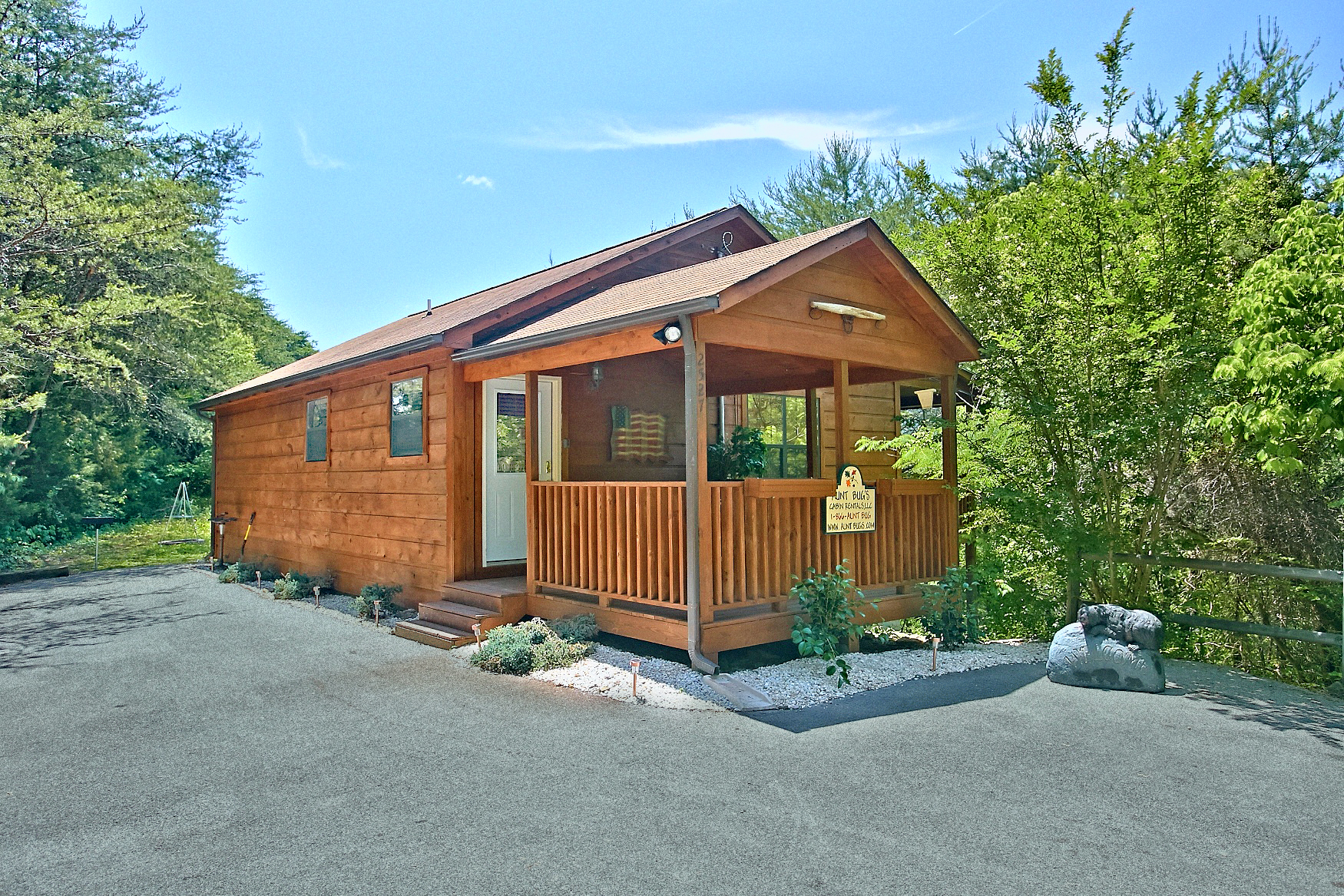 maker cabin pigeon dream sevierville forge and close secluded to in dollywood parkway bedroom rental cabins the