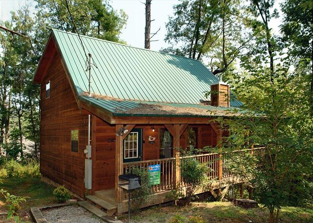 Above the falls 144 1 bedrooms in sevierville cabin rental for Falls lake cabin rentals