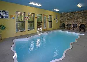 Bear Splash #409 4 bedroom private pool cabin in between Gatlinburg & Pigeon Forge  #409
